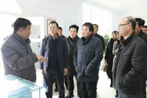 安阳市高新区负责人李长治、管委会副主任牛福生一行深入我司调研